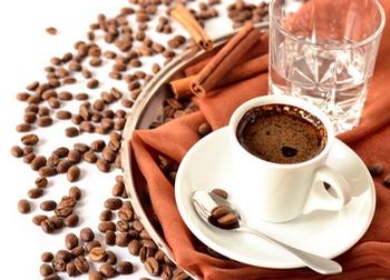 Подача кофе эспрессо